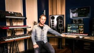 new studio amsterdam armin van buuren.jpg